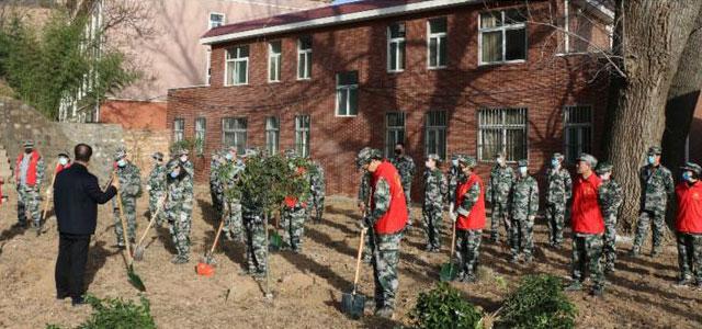 河南灵宝窄口库区管理局开展春季义务植树活动